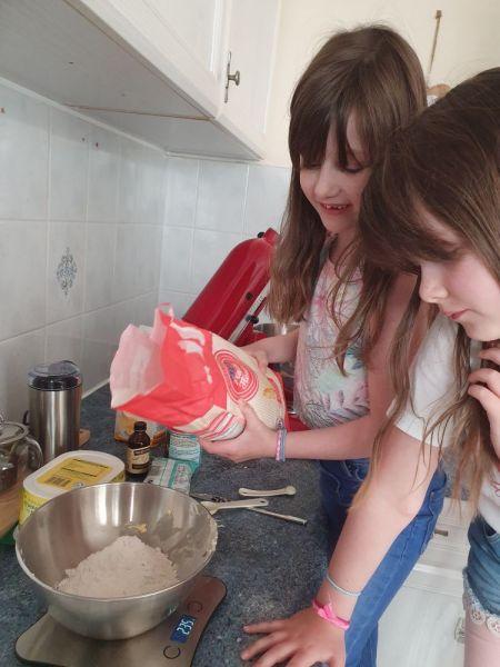 Poppy-carmen-cooking-3